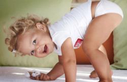 Ребенку 1 год. Игры и развитие ребенка в 1 год. Питание и режим дня ребенка в 1 год жизни. Что должен уметь делать ребенок в 1 год.