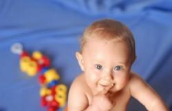 Ребенку 9 месяцев. Правильный уход и развитие ребенка в 9 месяцев. Питание и режим дня ребенка на 9-ом месяце жизни. Что должен уметь делать ре